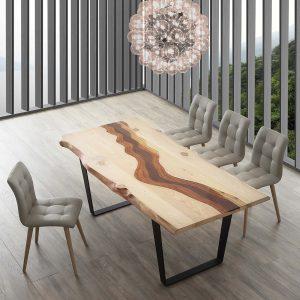 Tavolo con inserti di resina